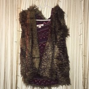 Mossimo Hooded Faux Fur Vest